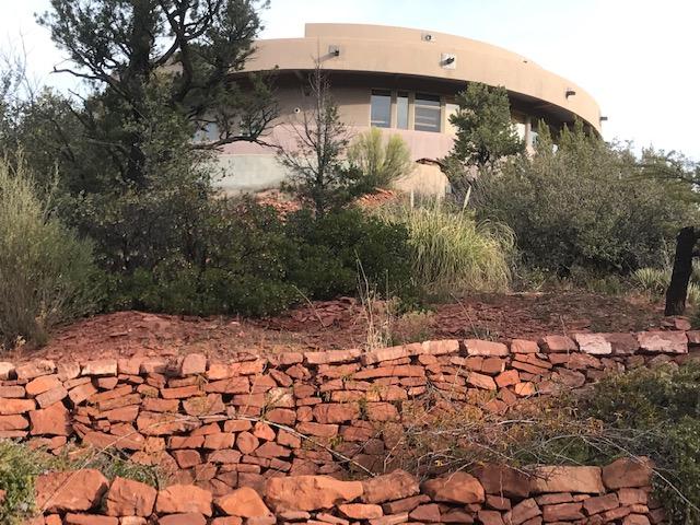 Sedona home garden red rock retaining walls